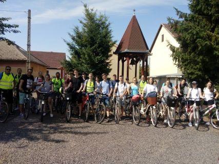 Biciklitúra - Tokajig tekertek a fiatajaink