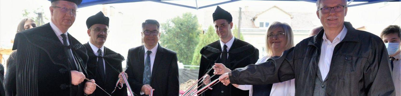 Megtörtént a Jókai Mór Református Általános Iskola új épületegységének alapkőletétele