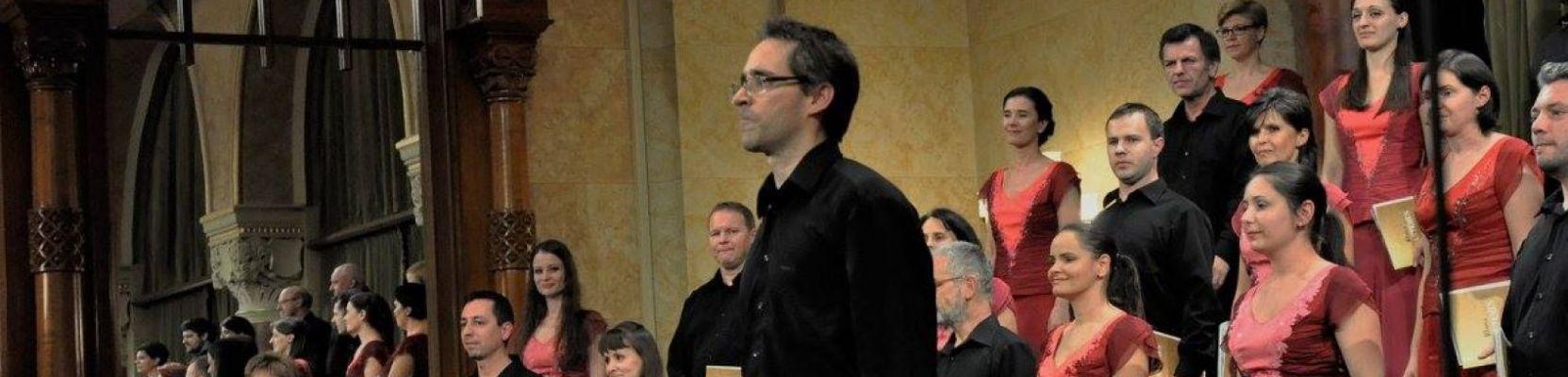 A Cantemus Vegyeskar koncertezik a Nyíregyháza-Városi Református Templomban